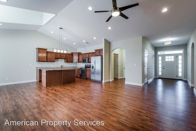 2708 Tobacco Road Unit C